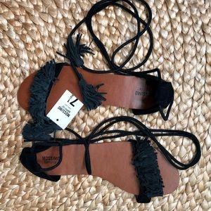 Mossimo | Fringe Wrap Black Sandal
